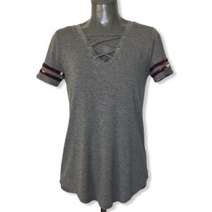 Maurices 24/7 Gray Caged Front Short Sleeve Shirt